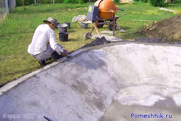 Искусственный водоем из бетона